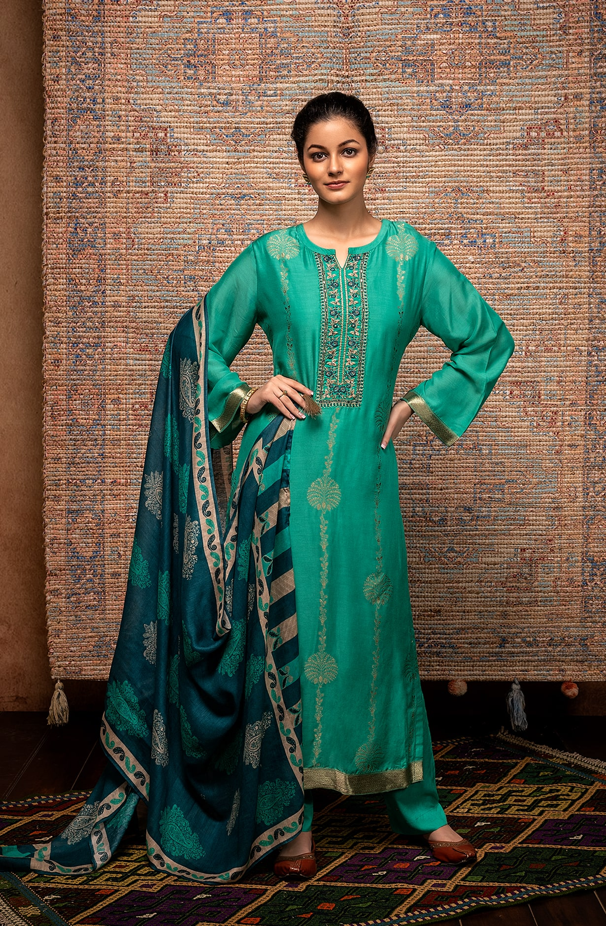 Firozi Exclusive Unstitched Muslin Silk Suit with Beautiful Dupatta - AAY9181