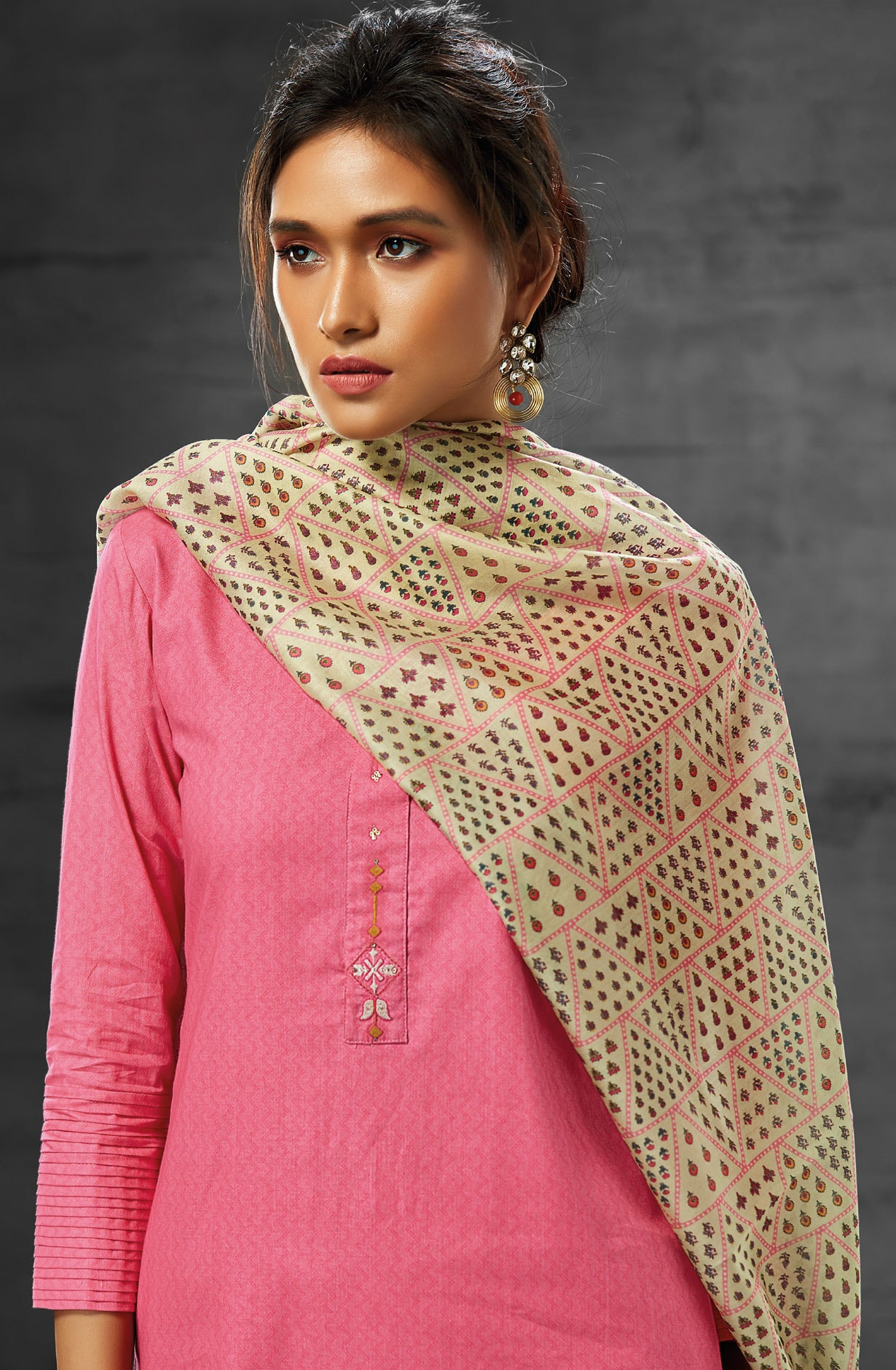 53acb5c1c2 Latest Summer Collection Digital Print Cotton Salwar Suit Sets In Pink -  AEO6217