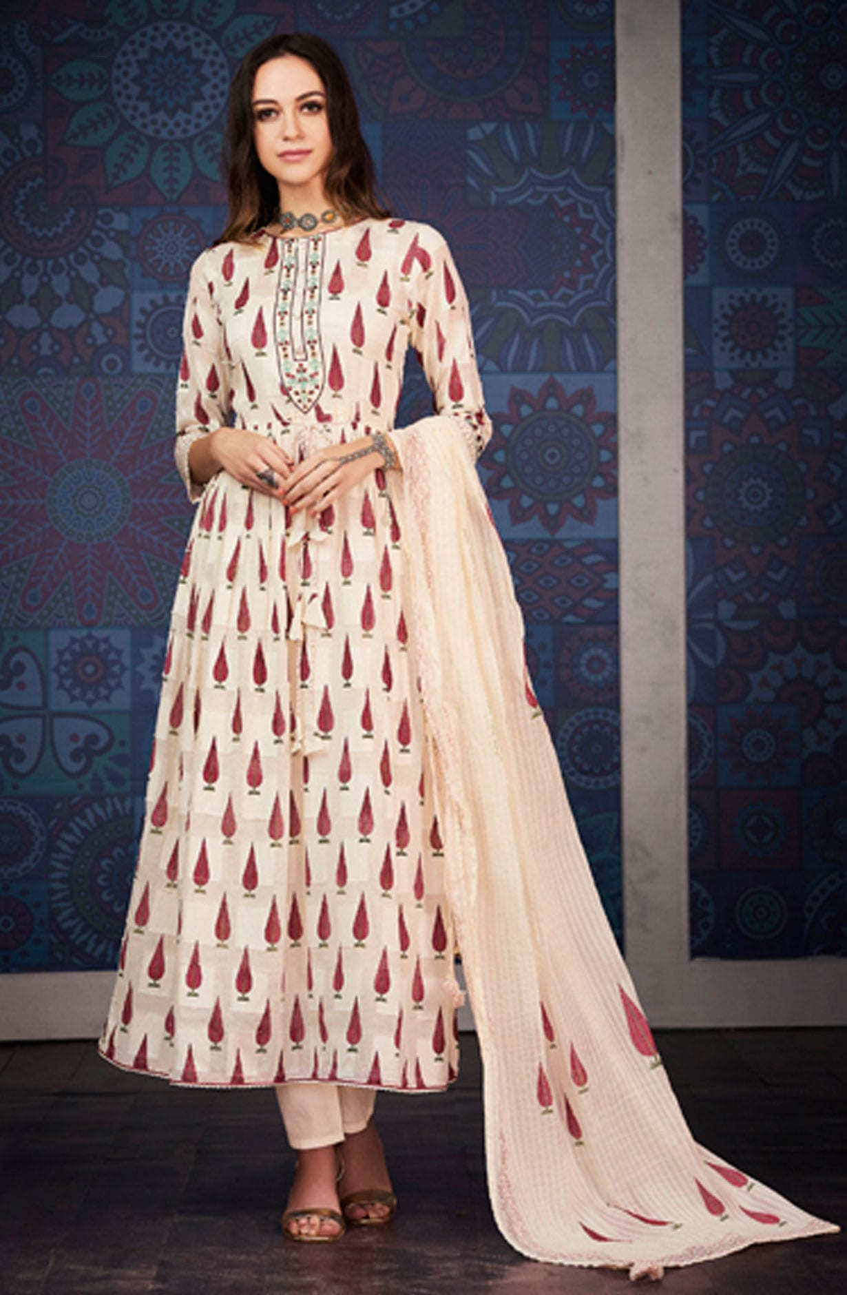 64da585b17 Digital Floral Print with Machine Embroidery Cotton Jacquard Salwar Suit in  Cream | BLA4201
