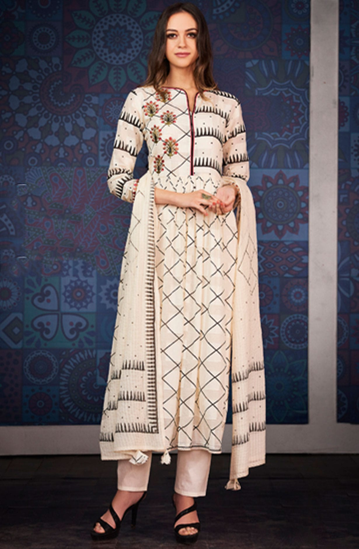 af19c73007 Digital Floral Print with Machine Embroidered Cotton Jacquard Shalwar Suit  In Cream | BLA4211
