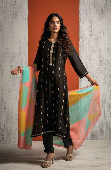 Russian Silk Beautiful Embroidered Salwar Kameez In Black with Organza Dupatta - BAH8478