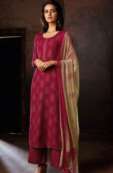 Spun Woolen Digital Floral Prints Winter Salwar Suit Sets In Magenta - RAV8235R