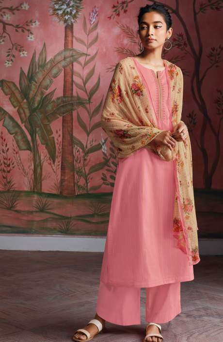 Cotton Foil Prints Salwar Kameez with Chiffon Dupatta in Pink - RYUCO276