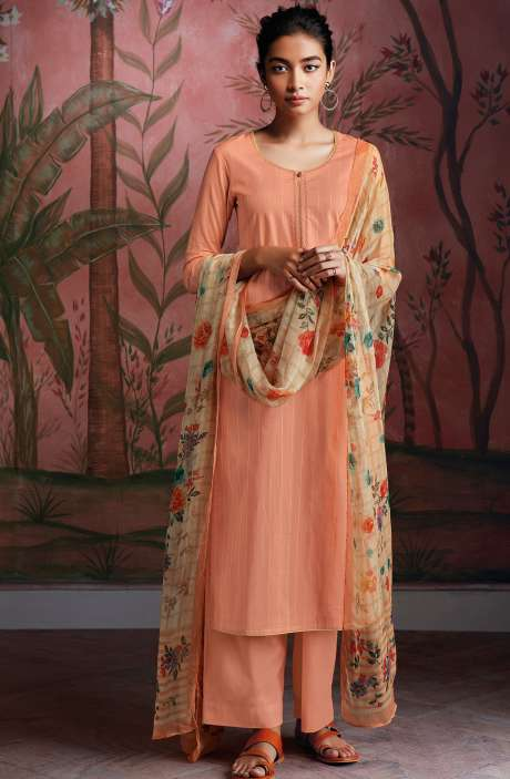 Cotton Foil Prints Salwar Kameez with Chiffon Dupatta in Peach - RYUCO278