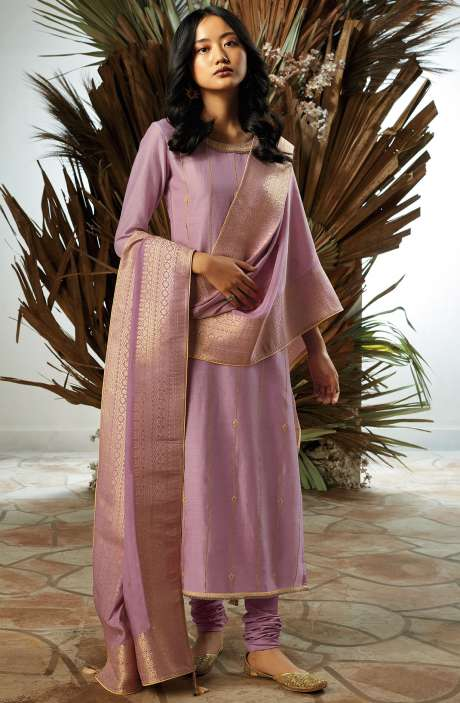 Bamberg Silk Zari, Thread Embroidery & Swarovski Work Suit Sets with Banarasi Jacquard Dupatta In Mauve - UKI7832