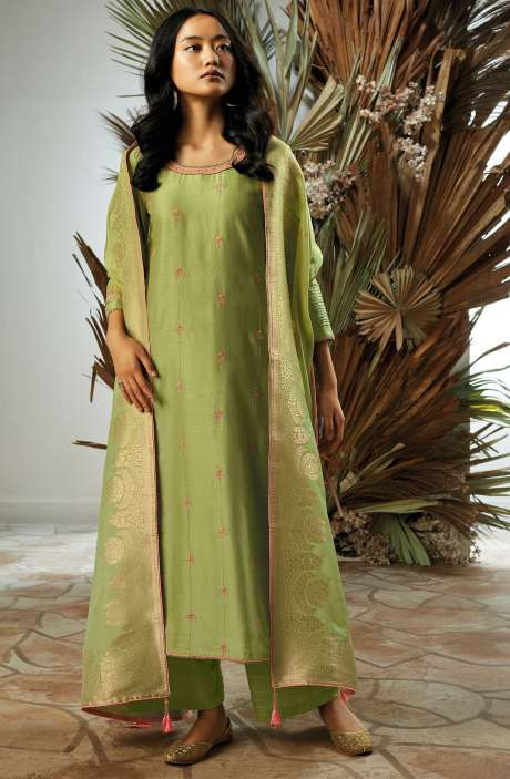 Bamberg Silk Zari, Thread Embroidery & Swarovski Work Salwar Suit Sets with Banarasi Jacquard Dupatta In Green - UKI7835